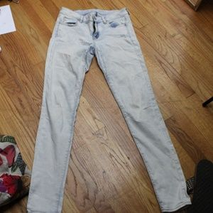 American Eagle X Long Low Rise Light Wash Jeans